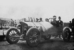 This built racing Mason late 1912 participates in the Indianapolis 500 four-cylinder engine 1913 cc 5,600.