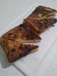 Malzemeler  4 adet tost ekmeği  Yeteri kadar sucuk  Yeteri kadar kaşar peyn...