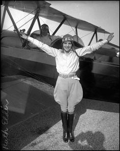 Miss America of Aviation – 20 vintage photos of Ruth Elder as a pilot in the 1920s.