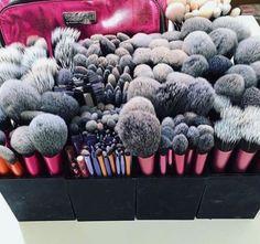 Make-up. New Make-up Brushes Storage Breakfast 19 Concepts The Consolation Seas Makeup Brush Storage, Makeup Brush Set, Makeup Organization, Makeup Goals, Makeup Inspo, Makeup Geek, Makeup Tips, Clean Makeup, Makeup Trends