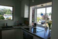 Love this big window Ikea Kitchen Reviews, Kitchen Cabinets Reviews, Ikea Kitchen Cabinets, Ikea Online Catalogue, Home Kitchens, Ikea Kitchens, Big Windows, Kitchen Pictures, Prefab