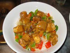 Presque végé: Tofu croustillant sauce épicée aux arachides