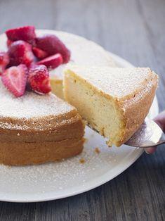 Italian Ricotta Cake - Fer S - Styles Cool Ricotta Torte, Italian Ricotta Cheesecake, Lemon Ricotta Cake, Italian Cake, Italian Desserts, Köstliche Desserts, Delicious Desserts, Plated Desserts, Italian Recipes