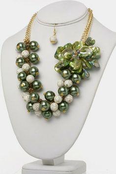 Green Flower & Beads Necklace Set