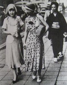 Japanese+moga+girls+in+the+1920s+%2815%29