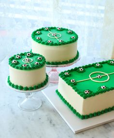 Custom soccer cakes by Magnolia Bakery Football Cake Design, Football Cakes For Boys, Soccer Cakes, Football Birthday Cake, 7th Birthday Cakes, Soccer Birthday Parties, Bithday Cake, Cake Decorating Designs, Cool Cake Designs