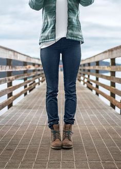 The Kara Jean is a fitted pant cut with a low rise, narrow leg, and traditional   5-pocket styling. This jean is made from organic cotton, soft stretch Kara denim that allows for breathability and movement.