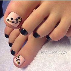 Black-Nude Toe nailArt