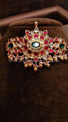 Gold Jewelry For Cheap Info: 6653761121 Ruby Jewelry, Jewelry Model, Quartz Jewelry, India Jewelry, Temple Jewellery, Silver Jewelry, Gold Choker Necklace, Diamond Necklaces, Gold Necklaces