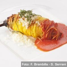 Cannolo di melanzana perlina in pasta croccante, ricotta, pomodorino e Ragusano DOP - Chef Pino Cuttaia