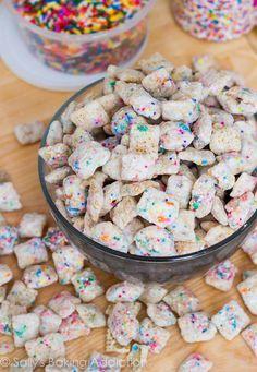 Cake Batter Puppy Chow (no boxed cake mix needed!) McWilliam McWilliam M. [Sally's Baking Addiction] My heart just went pitter patter. Köstliche Desserts, Delicious Desserts, Dessert Recipes, Yummy Food, Fun Recipes, Oreo Dessert, Cupcake Puppy Chow, Party Unicorn, Unicorn Birthday
