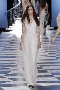 Viktor sfilata Parigi collezione moda donna PE 2013