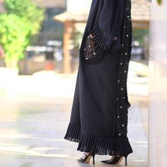 """73 Likes, 1 Comments - SUBHAN ABAYAS (@subhanabayas) on Instagram: """"#Repost @flooosha with @instatoolsapp ・・・ Pearls abaya by @19.eleven . .  #abayas #l4l #intm"""""""