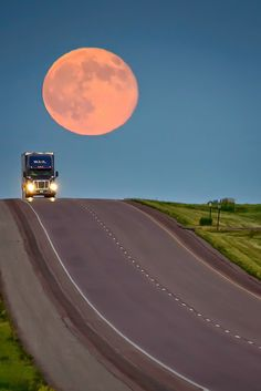 Super Moon on July 12, 2014 - by Dakotagraph - Super Moon Trucker