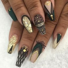 Gold Nails: 35 Gold Nail Designs by Dope Nails, Get Nails, Fancy Nails, Hair And Nails, Fabulous Nails, Gorgeous Nails, Pretty Nails, Gold Nail Designs, Coffin Nail Designs