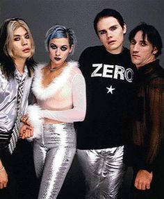 Pumpkins The Smashing Pumpkins- saw them twice.the omni & The Fox.love me some Billy Corgan in the silver pants! :)The Smashing Pumpkins- saw them twice.the omni & The Fox.love me some Billy Corgan in the silver pants! D'arcy Wretzky, The Smashing Pumpkins, I Love Music, Music Is Life, 1990 Style, Siamese Dream, Billy Corgan, Alternative Rock Bands, Cultura Pop