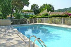 Le Murier  Sfeervol ingericht vakantiehuis met zwembad op loopafstand van de stranden van Saint-Tropez  EUR 1974.82  Meer informatie  #vakantie http://vakantienaar.eu - http://facebook.com/vakantienaar.eu - https://start.me/p/VRobeo/vakantie-pagina