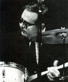 with brushes joe morello drumsolo joe morello drum solo 1961