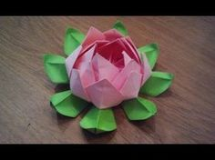 Paper: Colour set Size: x How to make an origami lotus flower. Welcome to my tutorial on how to make an origami lotus flower. Everyone can make it, you only need paper and a rubber band For more origami video's go to my channel. Instruções Origami, Origami Lotus Flower, Useful Origami, Origami Design, Origami Folding, Origami Instructions, Origami Tutorial, Paper Lotus, Origami Architecture