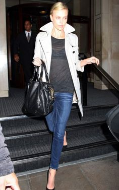 charlize-theron-london-night-candids-aug-16-04