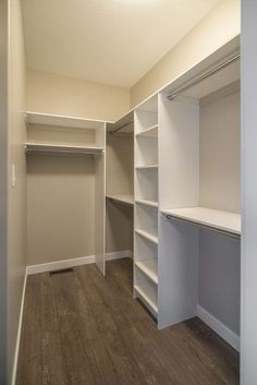 99 Impressive Walk In Closet Organization Ideas Walk in closets come in a different variety of designs. They were designed to keep folded clothing, ties, belts, shoes … organization ideas master bedroom 99 Impressive Walk In Closet Organization Ideas Small Master Closet, Walk In Closet Small, Walk In Closet Design, Bedroom Closet Design, Master Bedroom Closet, Small Closets, Bathroom Closet, Closet Designs, Master Bedrooms