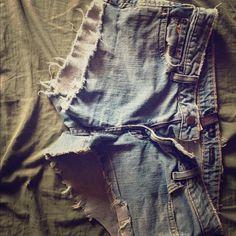 Cute ripped jean shorts Ripped Jean short shorts. Best daisy dukes! Shorts Jean Shorts