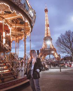 Paris love Travel far Torre Eiffel Paris, Tour Eiffel, Europe Photos, Paris Photos, Travel Pictures, Travel Photos, Paris By Night, Parvis, Paris Travel Guide