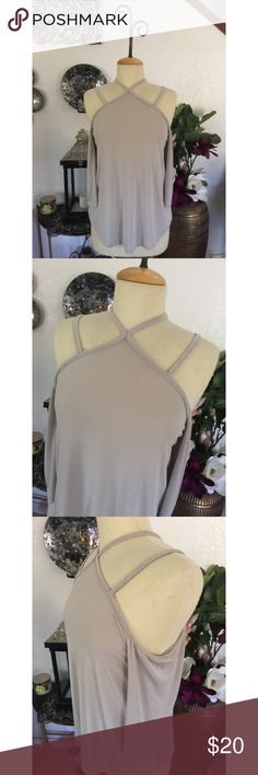 NWOT Duets Grey Top Size L New without tags! Beautiful and stylish grey top by Duets. Duets Tops