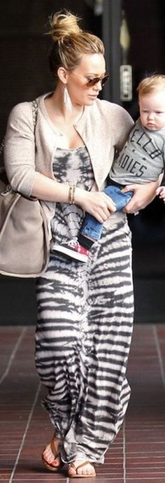Who made Hillary Duff's tan handbag, tie dye maxi dress, and brown aviator sunglasses that she wore in Sherman Oaks on February 13, 2013?