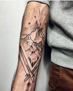 Lichte tattoo, leegtes vormen het tafereel (Ski-passion tattoo by Sasha Kiseleva) mountain tattoo 60 Inspiring Tattoo Ideas for Men with Creative Minds Snow Tattoo, 1 Tattoo, Tattoo Sketches, Tattoo Drawings, Body Art Tattoos, Clever Tattoos, Unique Tattoos, Schnee Tattoo, Skiing Tattoo