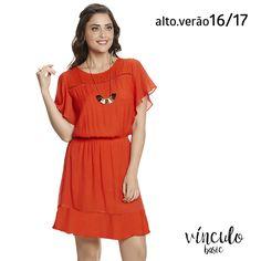 Fica fácil escolher o look do finde com um vestido deuso como este no guarda-roupa. 😍  http://www.vinculobasic.com.br/ #vinculobasic #verao2017 #fashion #look