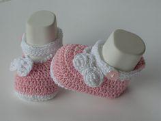 PATTERN Scarpine rosa con fiocco  neonato a uncinetto/ PATTERN 234/  3 TAGLIE/Instant Download(Permesso vendere prodotto finito)