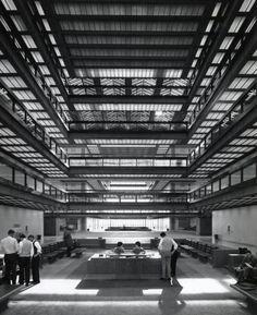 Bell Telephone Laboratories, Holmdel, New Jersey  (Eero Saarinen