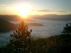 Kiltepan (sunrise over the clouds) - Sagada, Philippines