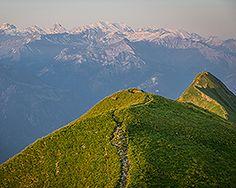Höhenwanderung zum Augstmatthorn - Schweiz Mobil - Wanderland Alpine Meadow, Wanderland, Eurotrip, Trail, Hiking, Mountains, Switzerland, Destinations, Traveling