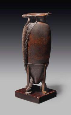 Art Deco ~ Jean Dunand ~ Cobra vase ~ Bronze ~ ca. Art Nouveau, Pottery Sculpture, Art Deco Design, French Art, Geometric Shapes, Modern Contemporary, Art Dolls, Objects, Bronze