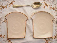 コンガリ舎 食パン型の小皿です