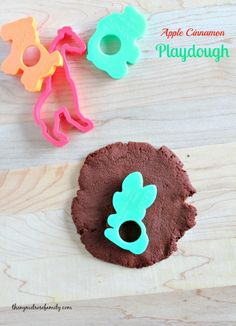 Apple Cinnamon Playdough #recipe #playdough