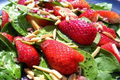 Strawberry spinach salad with poppyseed dressing