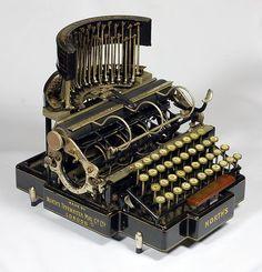 Eu quero uma máquina de escrever North - 1892
