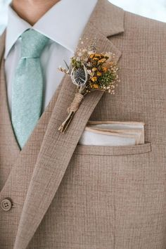 Thistle Boutonniere, Rustic Boutonniere, Groomsmen Boutonniere, Groom And Groomsmen, Groom Suits, Fall Wedding Boutonniere, Groom Attire, White Wedding Bouquets, Corsage Wedding