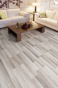 Parchet laminat Woodstep de 8 mm grosime, recomandat pentru orice încăpere a locuinţei, nervura fină a lemnului natural conferând un sentiment de căldură şi armonie în orice spaţiu.
