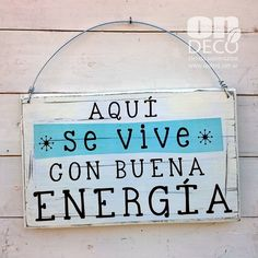 Cartel vintage | BUENA ENERGIA Positive Phrases, Rustic Wood, Ideas Para, Decoupage, Diy And Crafts, Poster Prints, Diy Projects, Lettering, Cool Stuff
