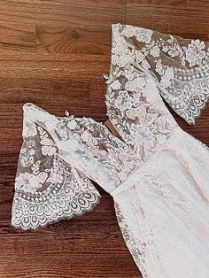 Wedding Goals, Our Wedding, Wedding Planning, Dream Wedding Dresses, Boho Wedding Dress, Bohemian Bridesmaid, Bohemian Weddings, Mermaid Wedding, French Lace