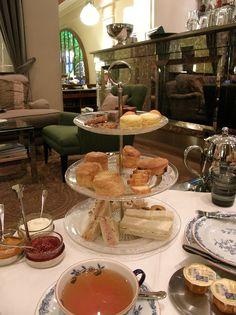 Afternoon tea in Salutorget.