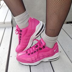 NIKE AIR MAX 95 PINK I need these in my life