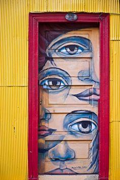Seeing eye door , Chile
