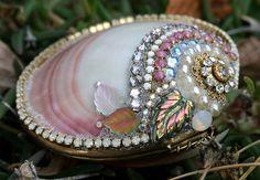 Bejeweled Crystals Rhinestone Clam Shell - Vintage Snuff Box - Mermaid's Treasure Box
