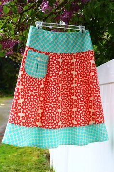 A line Skirt Teal and Red Skirt Pocket with vintage button Fun Skirt Amy Butler womens sizes via Etsy Red Skirts, A Line Skirts, Dress Patterns, Sewing Patterns, Tatting Patterns, Coat Patterns, Maxi Skirt Tutorial, Sewing Blouses, Dress Tutorials