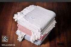 Brahms Mount teje textiles con una firma de diseño compuesta de elementos clásicos basados en la tradición.